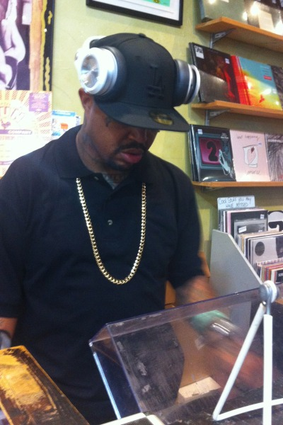 DJ Paul on the 1s and 2s messing around with some tracks